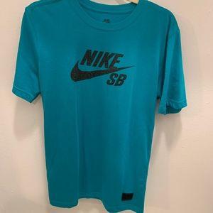 Nike Short Sleeve Crew Neck T-Shirt -Size S (NWOT)
